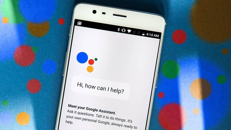 Use Google Assistant Turn on Flashlight