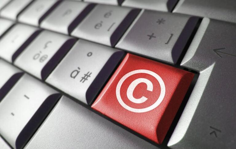How to Type Copyright Symbol on Mac and Windows PC