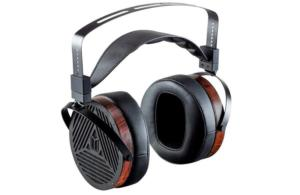 Monolith M1060 - The Best Planar Magnetic Headphones for Gaming